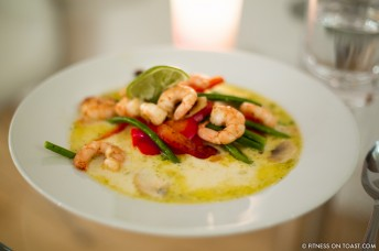 PRAWN COCONUT DISH  http://fitnessontoast.com/2013/01/13/go-coco-nuts/