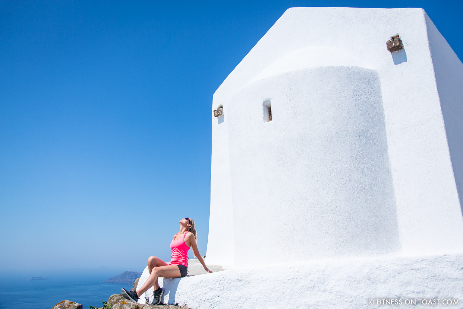 Fitness On Toast Faya Blog Healthy Workout Travel Active Escape H&M Hennes HMSport Fashion Santorini Greece Outfit OOTD-14