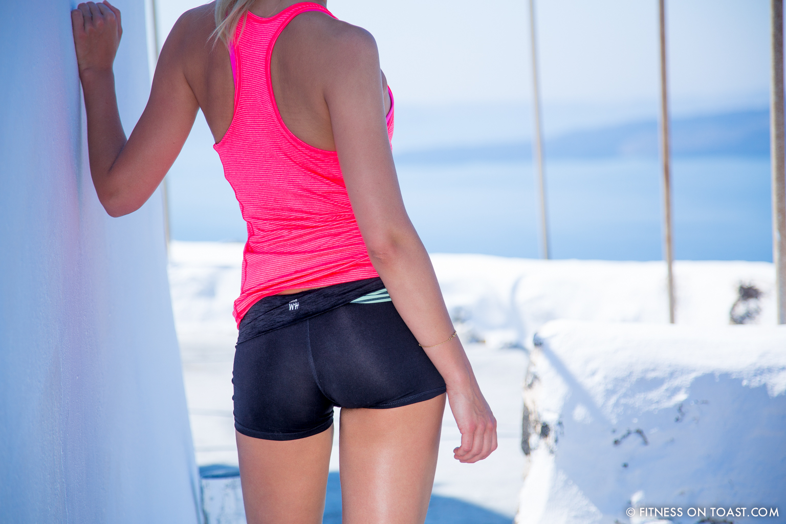 Fitness On Toast Faya Blog Healthy Workout Travel Active Escape H&M Hennes HMSport Fashion Santorini Greece Outfit OOTD-17