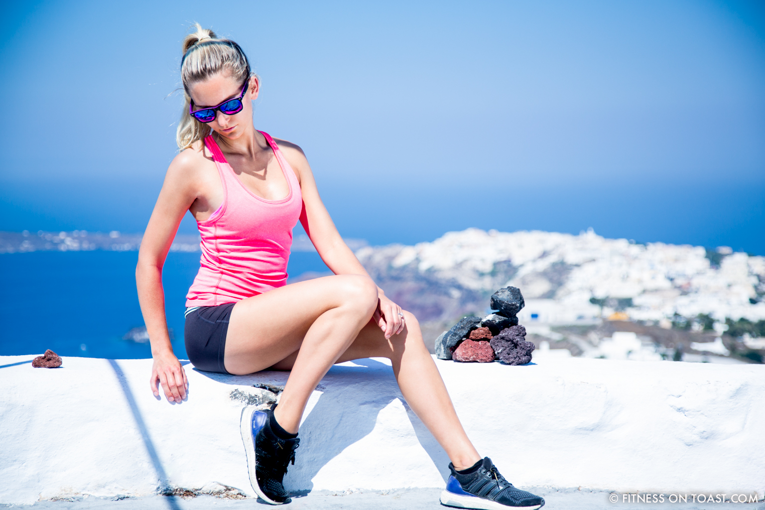 Fitness On Toast Faya Blog Healthy Workout Travel Active Escape H&M Hennes HMSport Fashion Santorini Greece Outfit OOTD-8