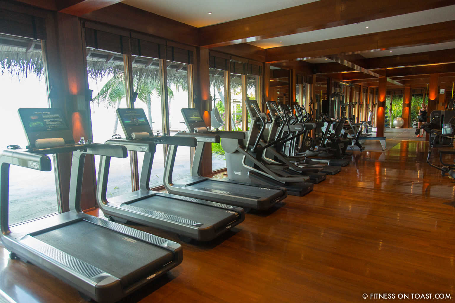 Fitness On Toast Faya Blog Girl healthy workout new year Reethi Rah One Only Luxury Maldives Travel Active Escape-83