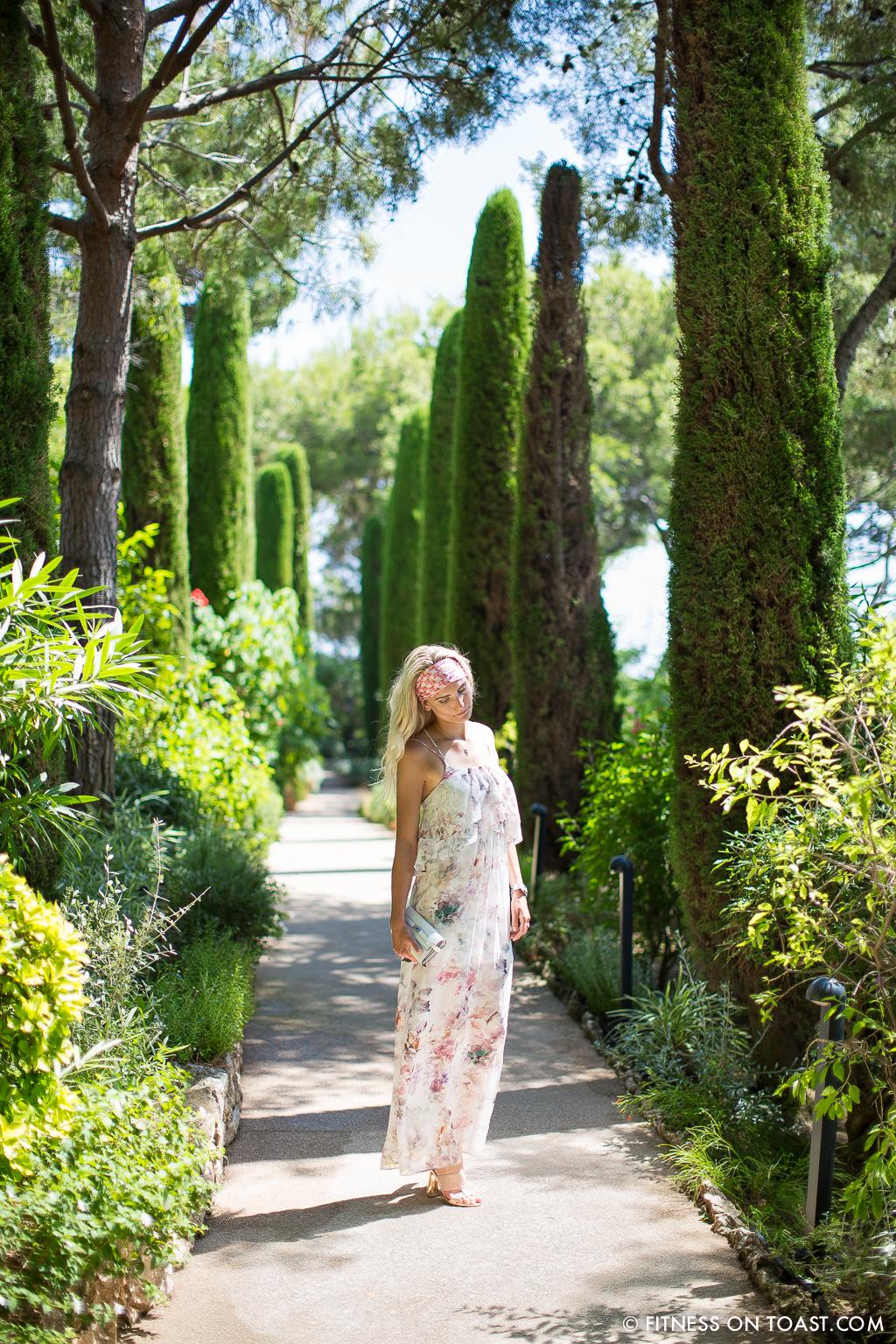Fitness On Toast Faya Blog Benefits Of Walking Healthy Walk Grand Hotel Du Cap Ferrat Cote D'Azur Azur South Of France Exercise Calorie Burn Girl Fashion-4