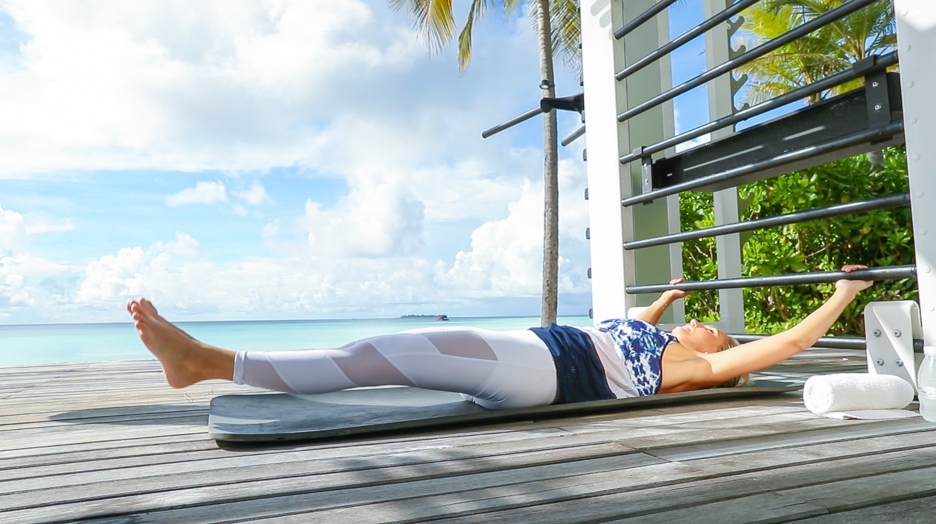 Fitness On Toast Faya Blog Girl Healthy Workout Training Maldives Working Out Ab Routine Beach Easy Moves Rock Hard Stomach Abdominals-4